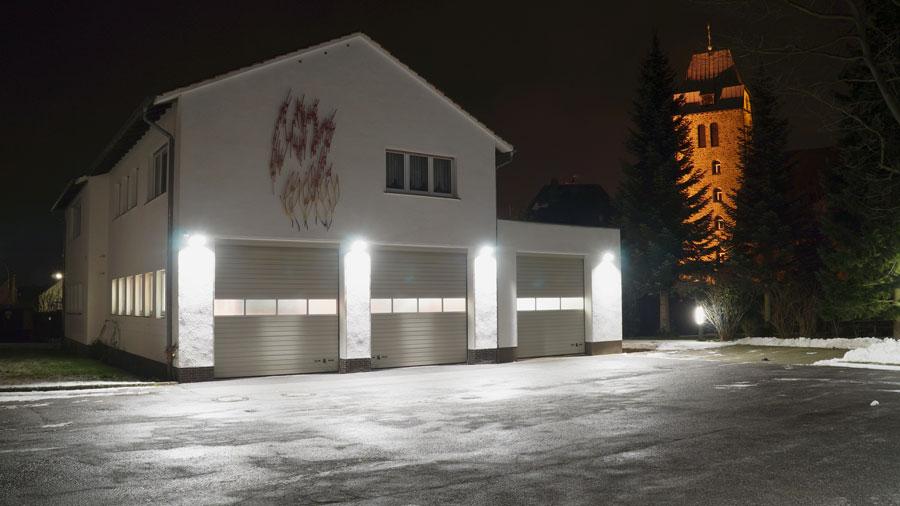 Gerätehaus Bösperde bei Nacht