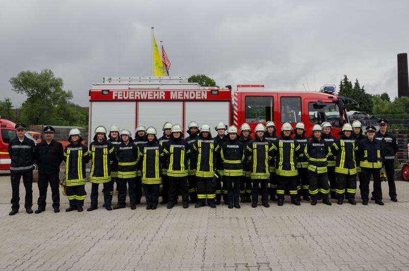 21 Kamerade aus Menden und Hemer haben erfolgreich die Grundausbildung abgeschlossen