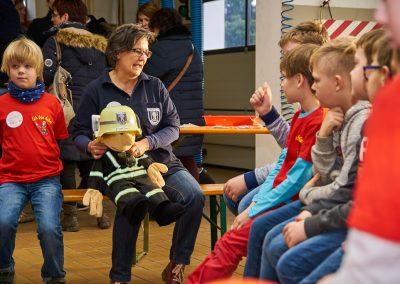 Kennenlernen mit Florian, dem Maskottchen der Kinderfeuerwehr Menden