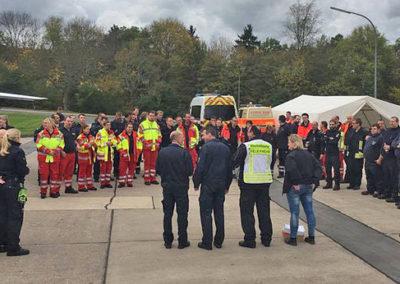 Antreten hieß es für die Einsatzkräfte bei der Großübung in Ahrweiler. Foto: Michael Kling/Märkischer Kreis