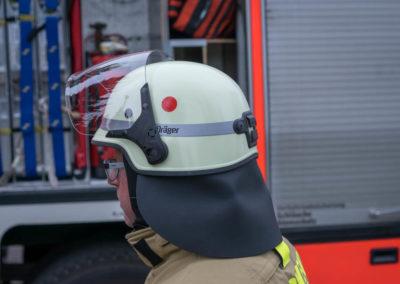 Feuerwehrhelm mit Klappvisier und Nackenleder