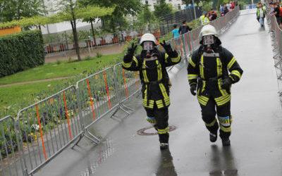 Feuerwehr stellt sich Herausforderung beim Treppenlauf